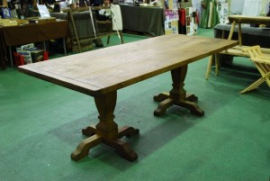 Oak dining table £1400
